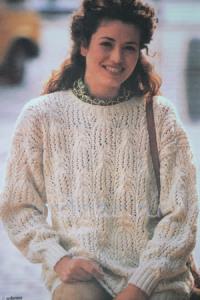 beliy-ajurniy-pulover