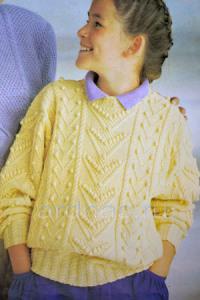 detskiy-pulover-s-shishechkami
