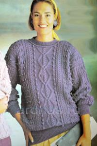 fioletoviy-pulover-s-uzorom-pauk