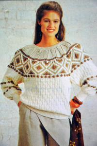 pulover-s-uzornoy-koketkoy
