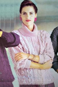 rozoviy-pulover-s-uzorom-pauk